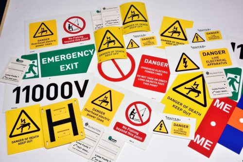 locata warning signs and makers